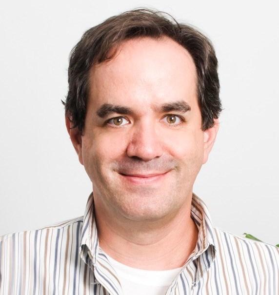 George S. Hardesty, fundador y director de Data Alliance Inc., Nogales, Arizona AZ